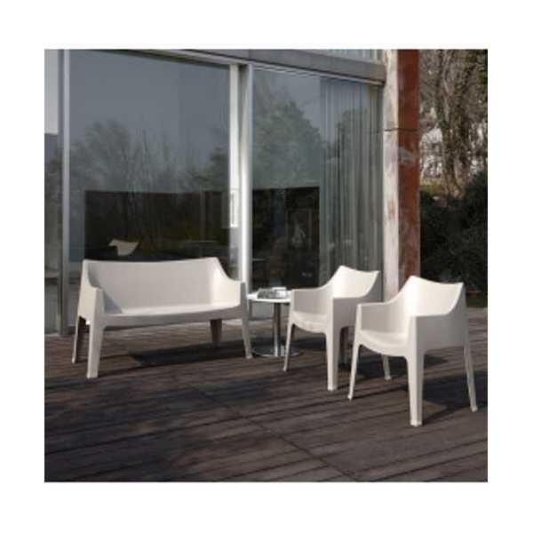 Vendita delle sedie e poltrone impilabili in plastica for Divanetti esterno